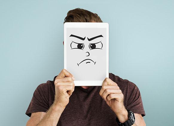 برای موفقیت در گفتگو با خود ، افراد منفی را از زندگی تان بیرون بیاندازید