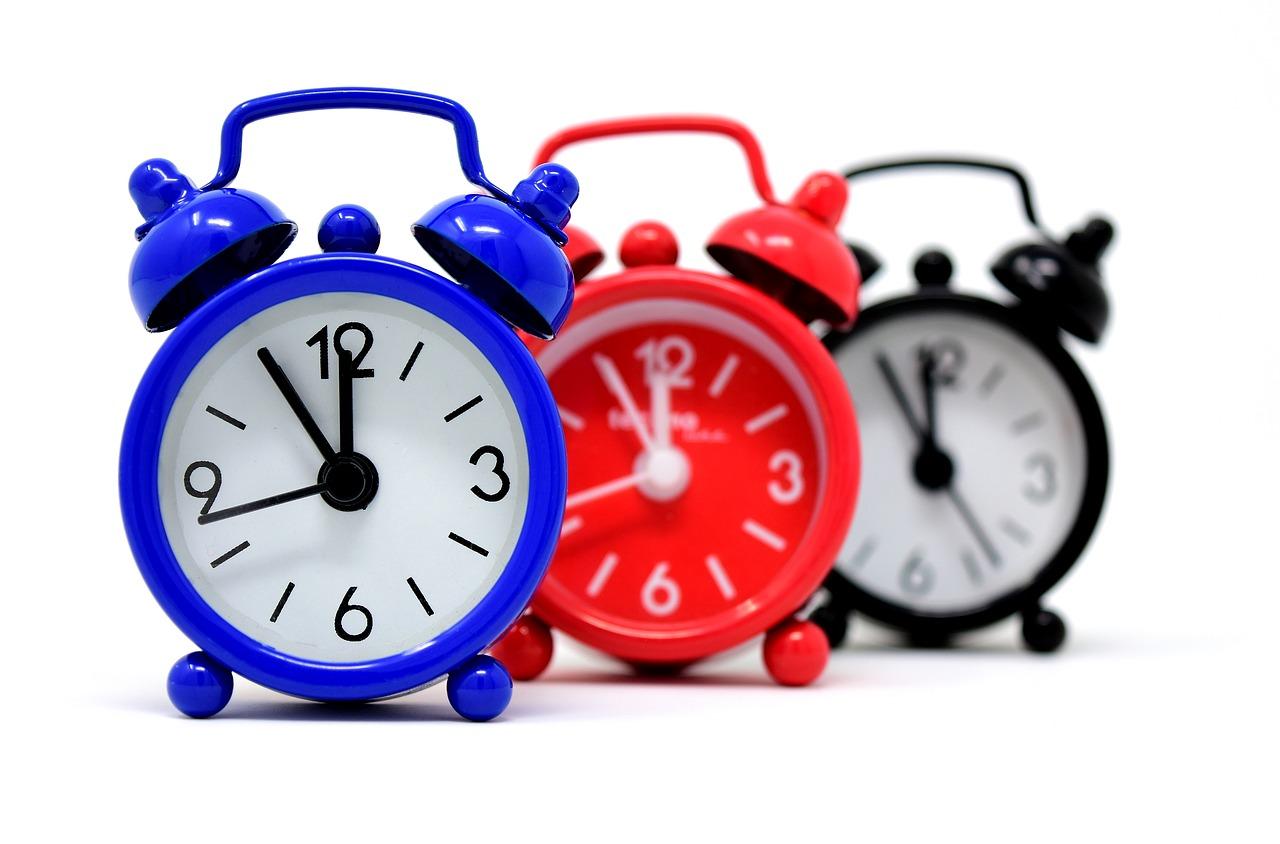 صبح زود بیدار شدن در بهبود مهارت مدیریت زمان در تولید محتوا