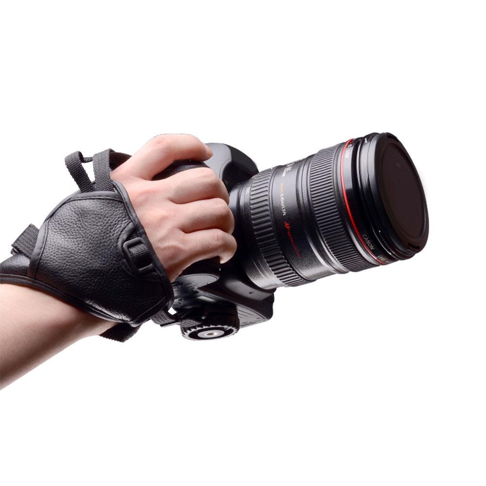 نگه داشتن دوربین