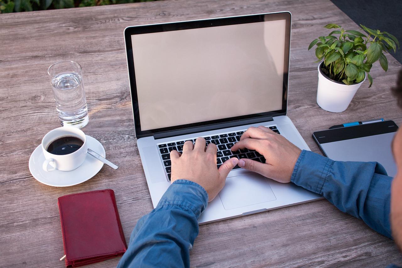 اگر فریلنسر تولید محتوا هستید حتما یک وبلاگ برای خودتان بسازید